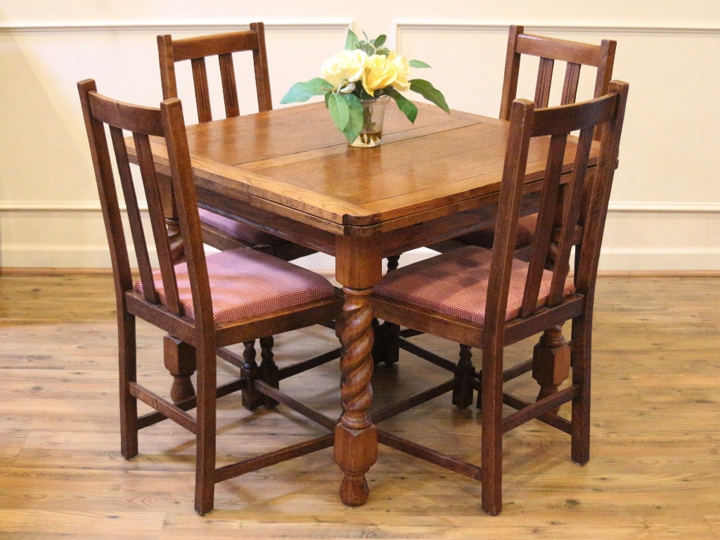 Antique oak English pub table and 4 chairs dining set with extending pull  out leaves and barley twist carved legs. This beautiful dining set has age  ... - Antique English Pub Table And Chairs, Barley Twist, Light Oak Draw