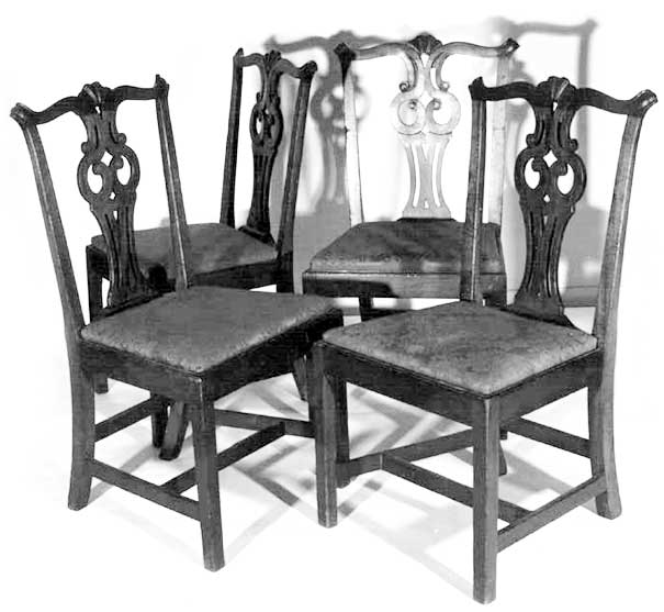Fine 18th C American Chippendale Massachusetts set of four dense mahogany  side chairs. Serpentine crest rails with shell carved centers and molded  scrolled ... - Fine 18th C. American Chippendale Mahogany Salem, Massachusetts Side