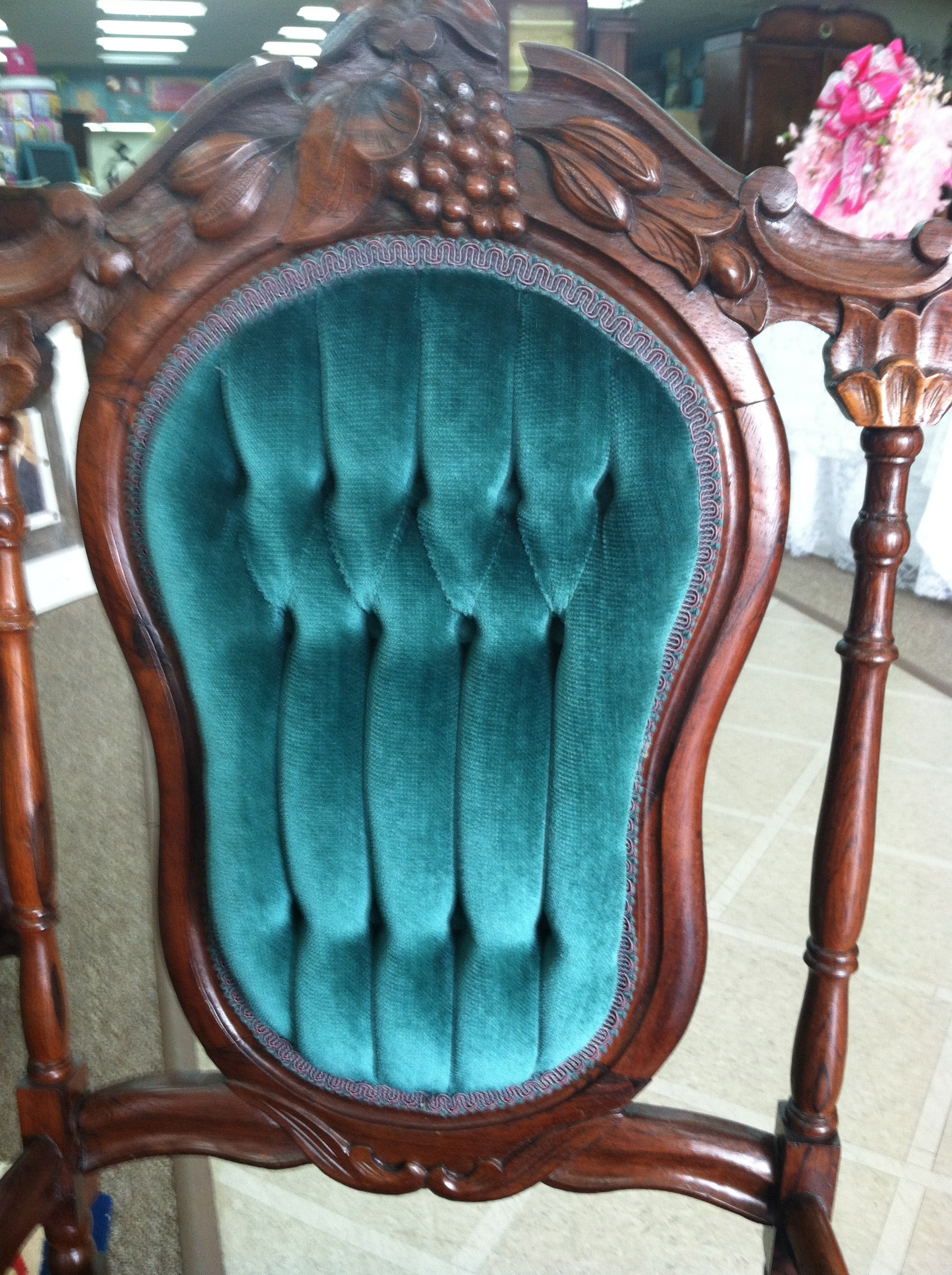 Gorgeous Antique Victorian Rosewood Carved Parlor Chair