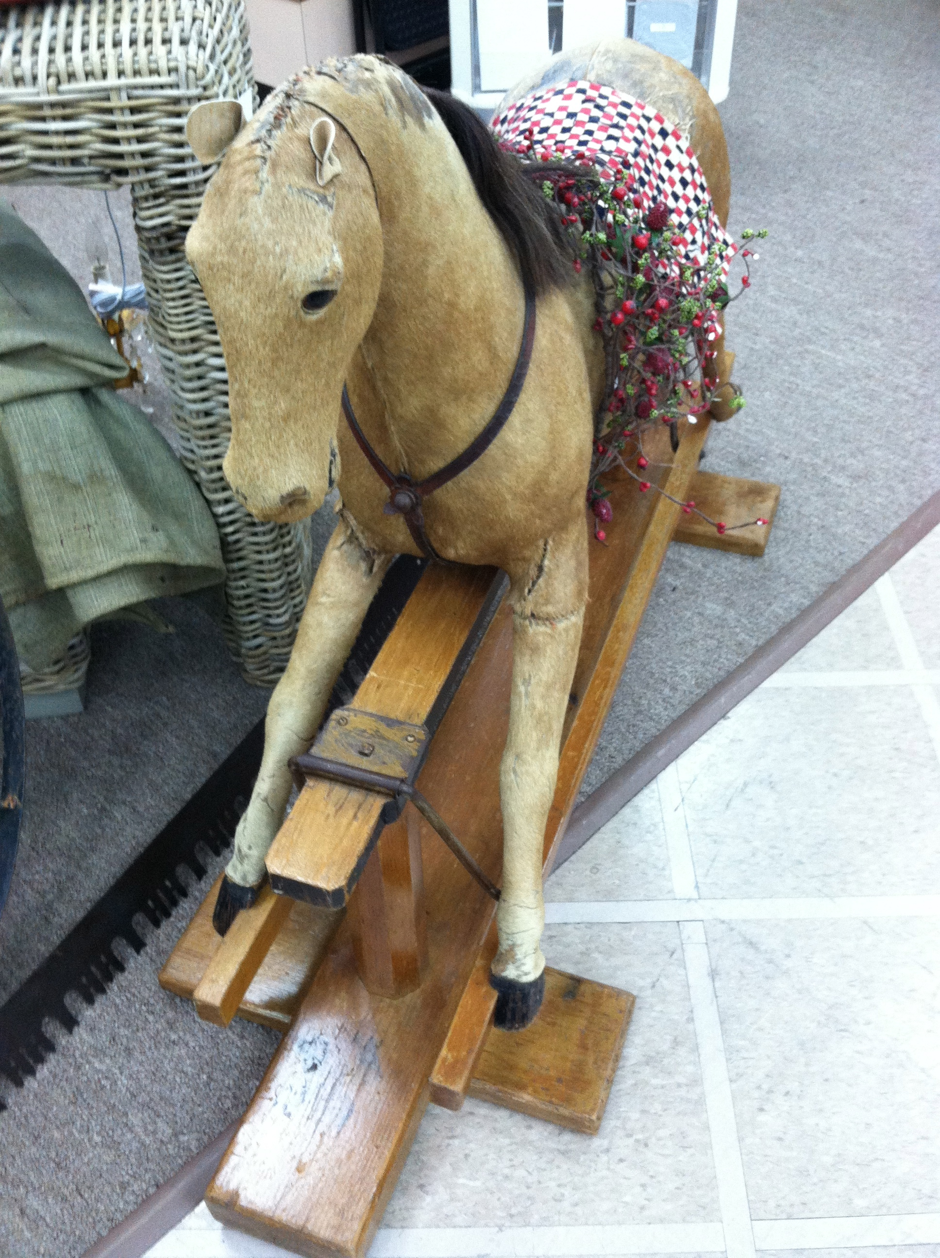 Gorgeous antique horse pony glider rocking horse circa for Vintage horseshoes for sale