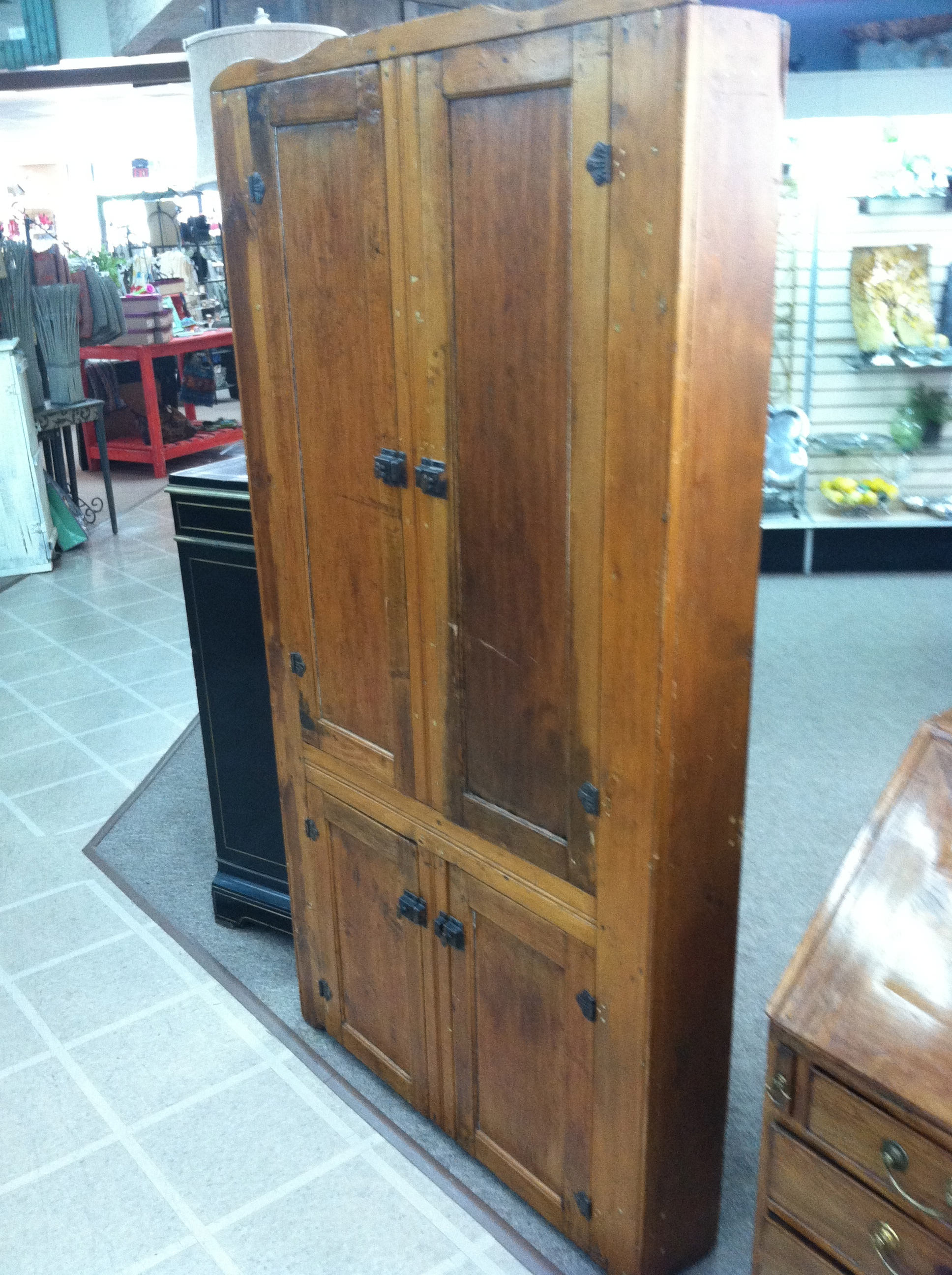 Gorgeous Antique American Primitive Pine Corner Cabinet/Cupboard Circa 19th  Century   For Sale