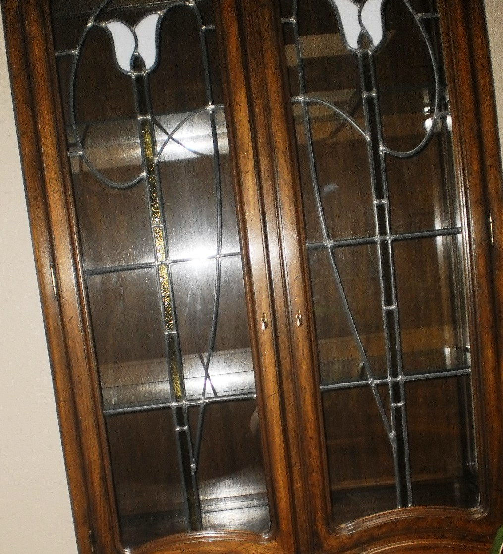 Beautiful Dark Wood Leaded Glass And Stained Cabinet 4 Doors Lights Shelves Plus 2 81 1 Inches Tall 38 Wide