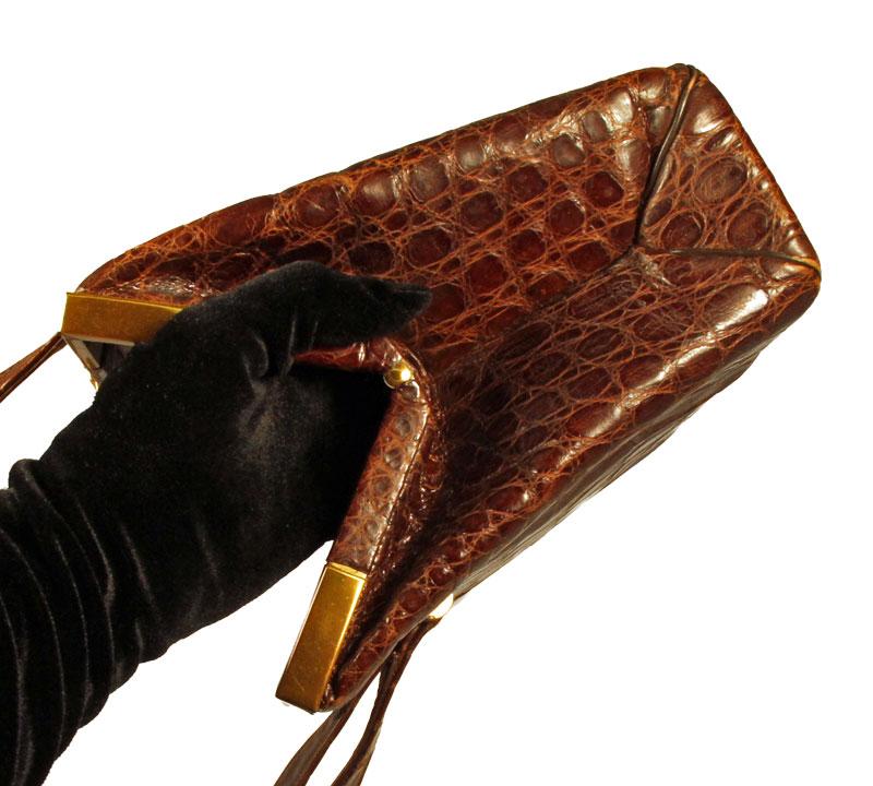 brown handbag Bass alligator vintage