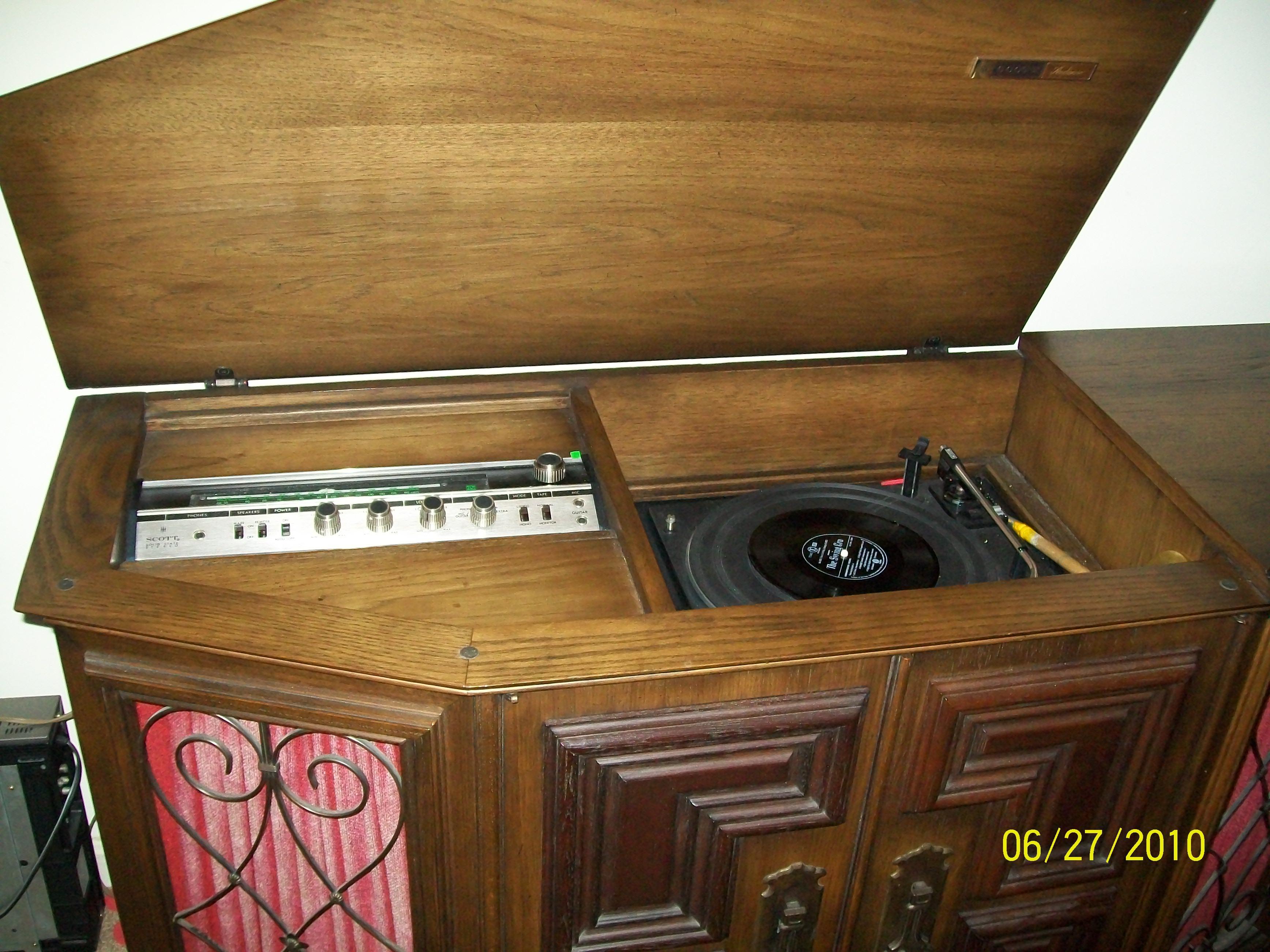 Mediterranean Stereo Console Circa 1960 For Sale