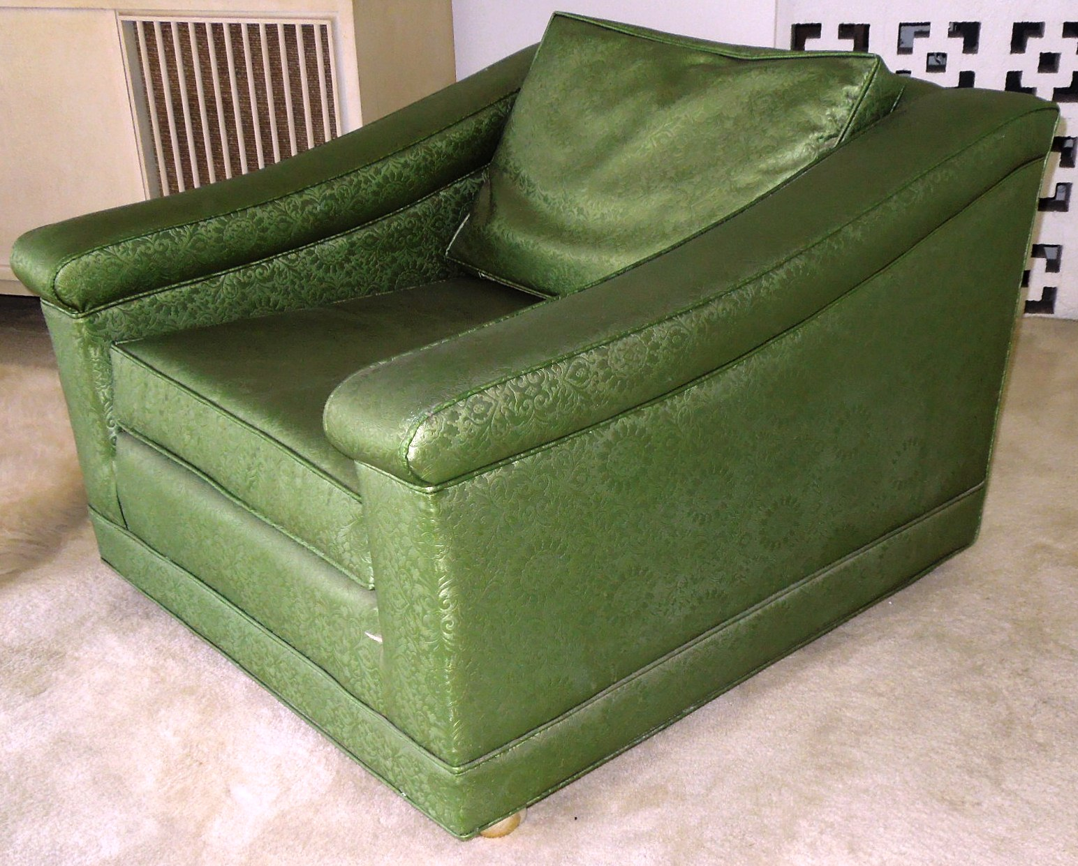 Vintage 1960s luxury lounge chair vinyl green color for for Retro 80s furniture