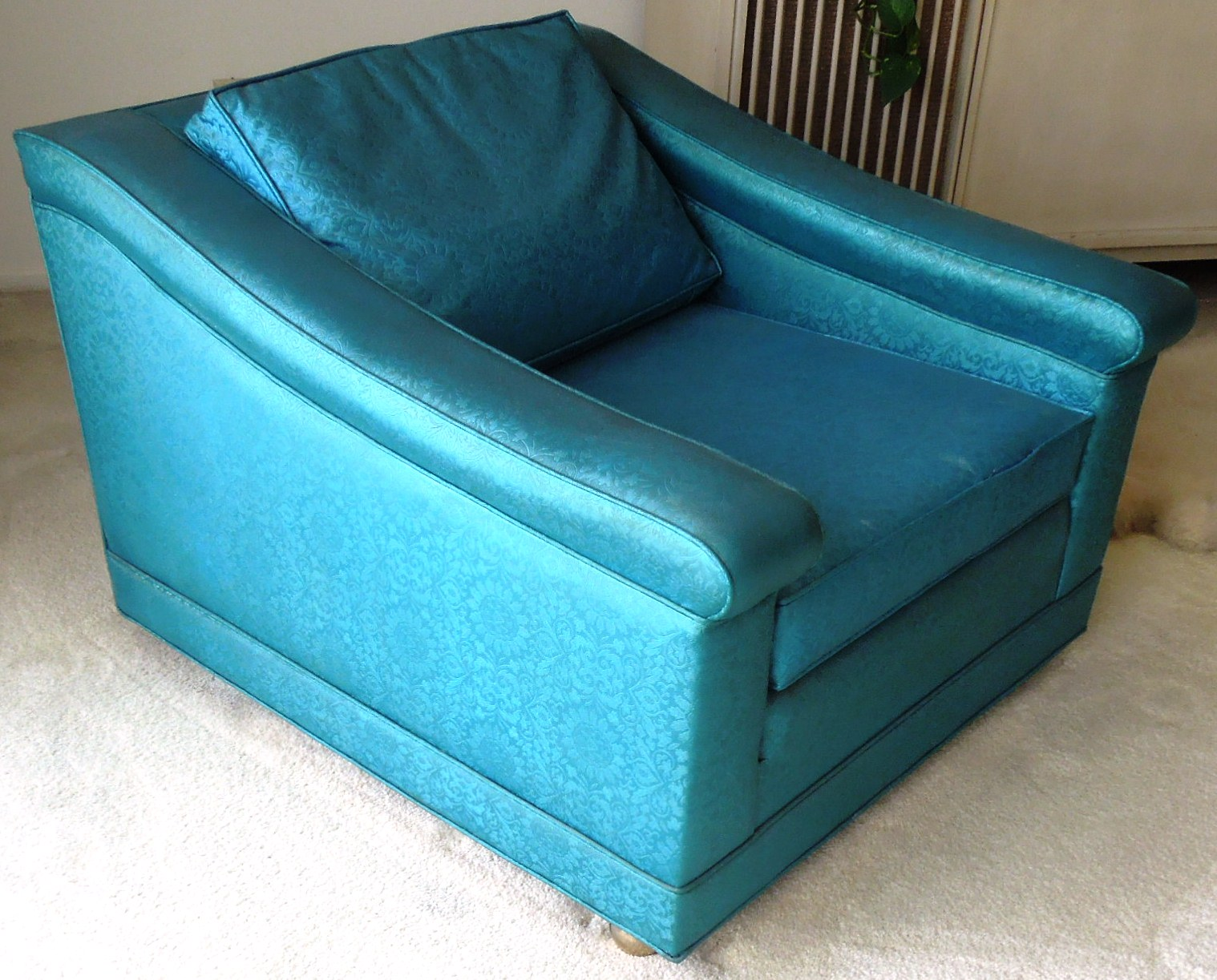 Vintage 1960s luxury lounge chair vinyl blue color for for 80s furniture for sale