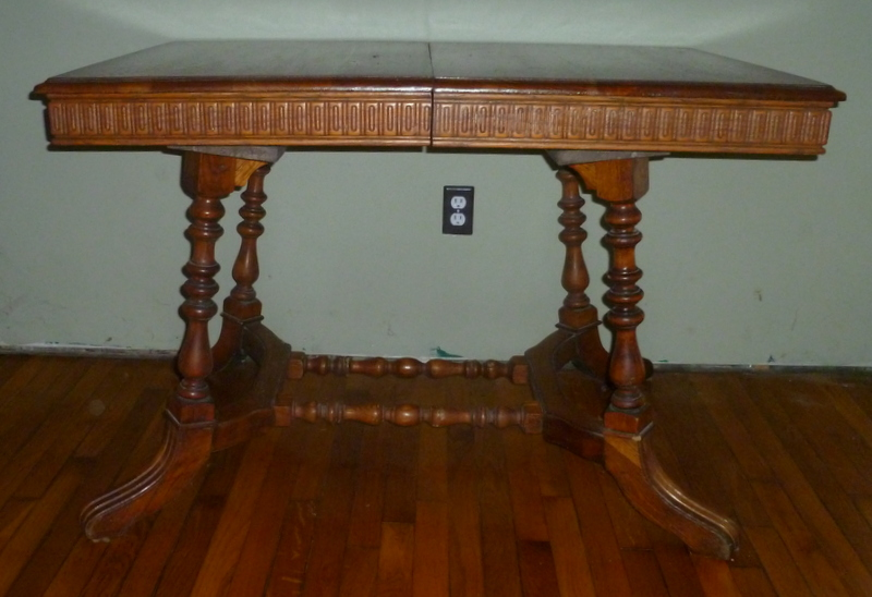 Antique OAK Dining Room Table w/leaves & Four Straight Back Chairs For Sale    Antiques.com   Classifieds - Antique OAK Dining Room Table W/leaves & Four Straight Back Chairs