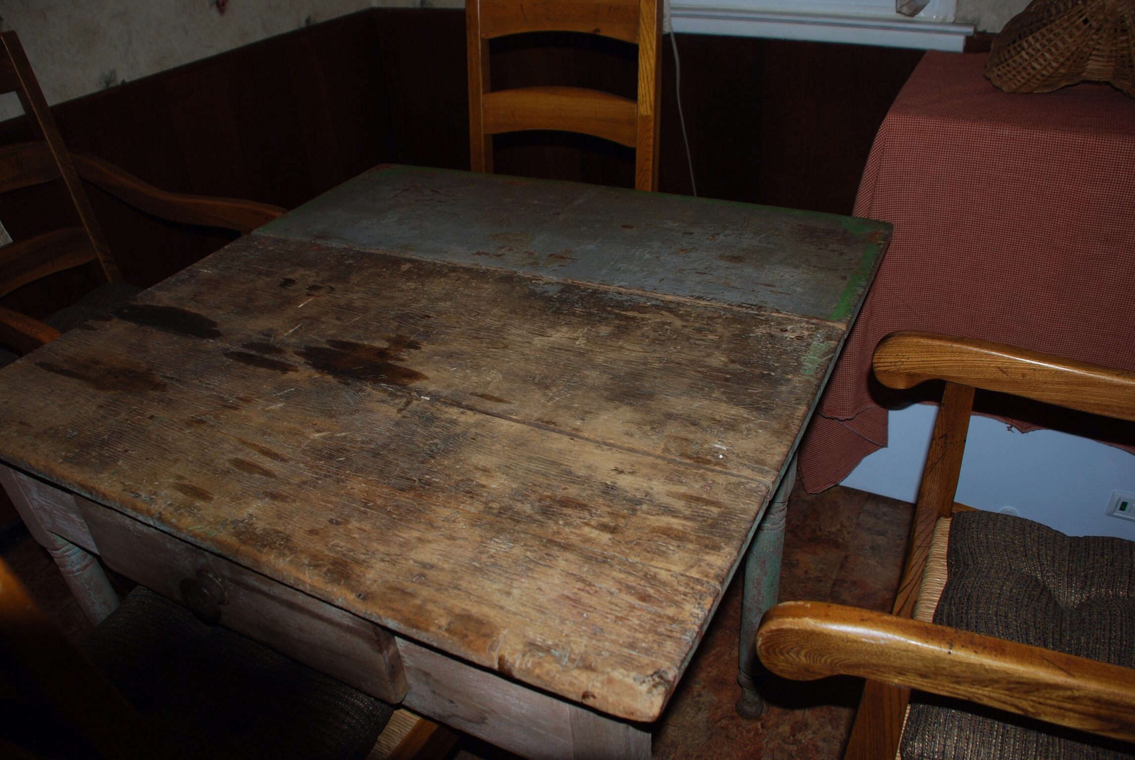 Old farm table with drop leaf For Sale Antiques