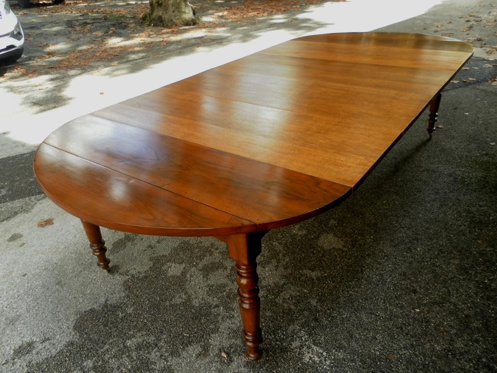Louis philippe oval table in walnut 292 cm for sale for Table louis philippe