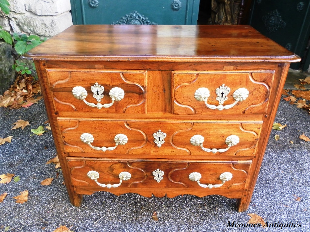 louis xiv period parisian chest of drawers commode for sale classifieds. Black Bedroom Furniture Sets. Home Design Ideas