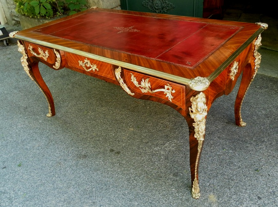 A french louis xv style cressent bureau desk 19th century for Bureau louis xv