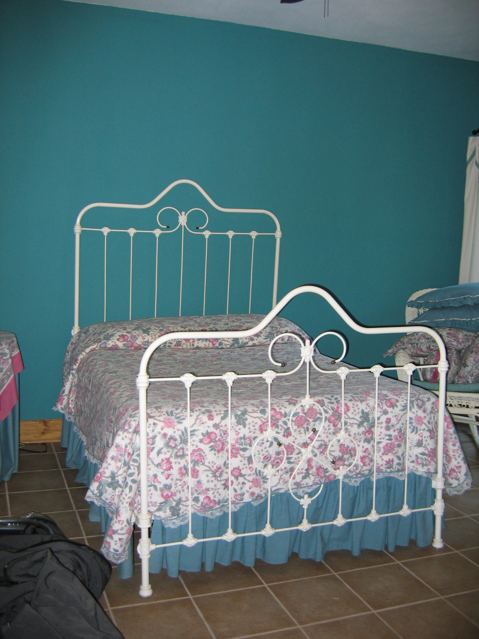 white cast iron bed for sale antiques   classifieds