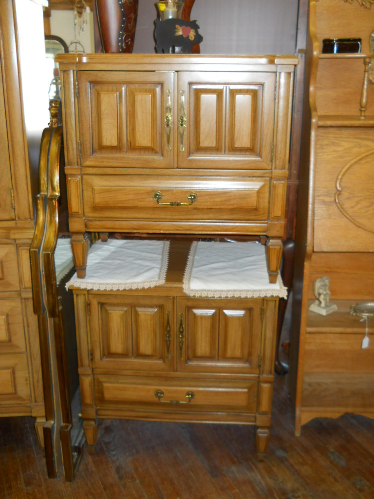 1960 39 s bedroom set by continental vanleigh for sale classifieds. Black Bedroom Furniture Sets. Home Design Ideas