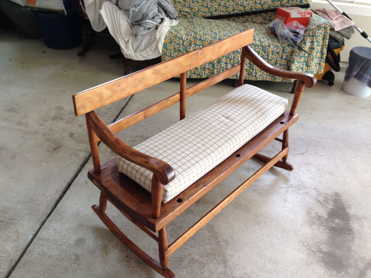 Antique mammy\'s bench or settee For Sale   Antiques.com   Classifieds