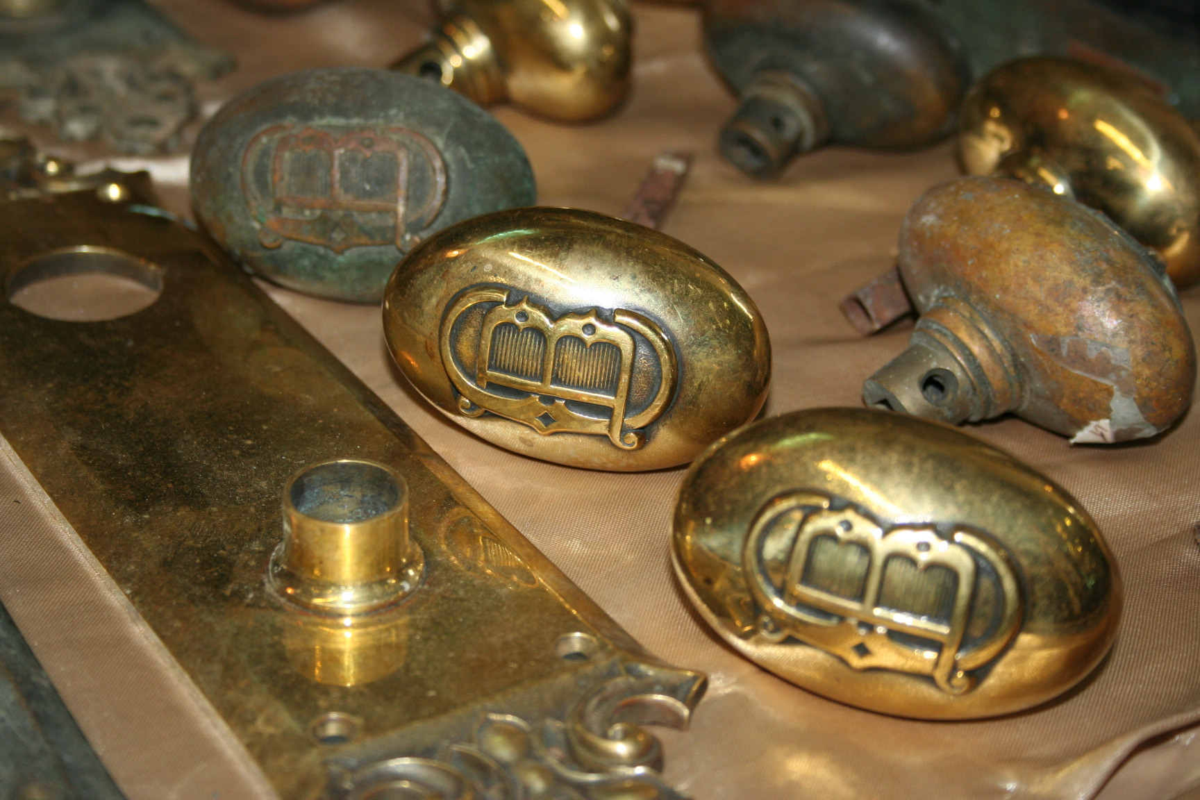 Solid Brass Victorian Faceplate And Door Knob Set For Sale Classifieds