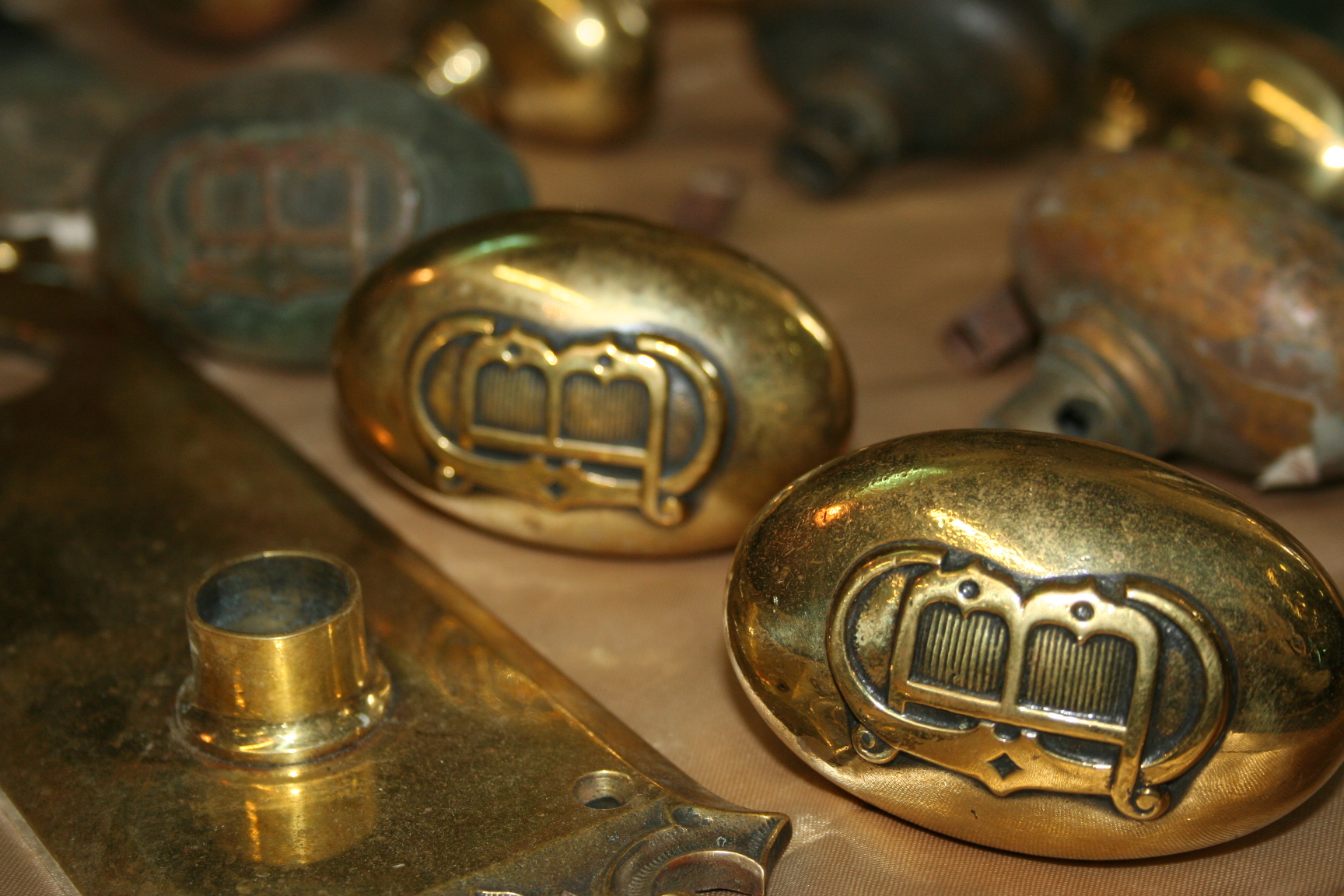 Solid Brass Victorian Faceplate And Door Knob Set For Sale