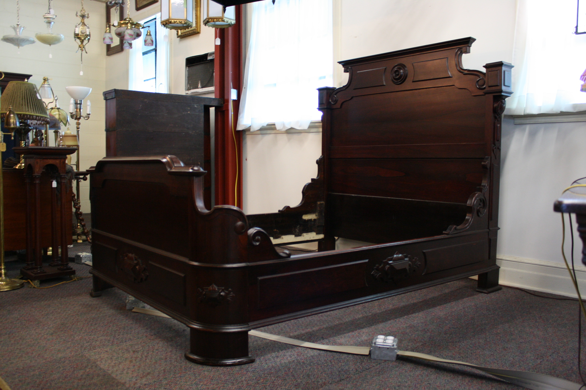 Antique bedroom furniture 1900 - 1900 Rosewood Double Bed With Curved Footboard For Sale