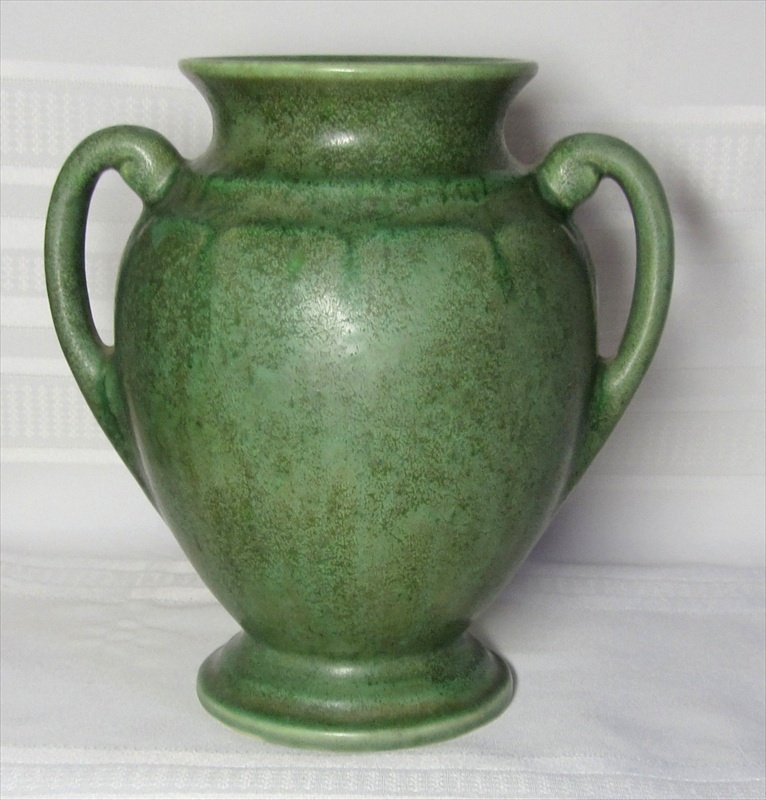 Brush Mccoy Pottery Large Double Handled Vase Great Glaze Matte