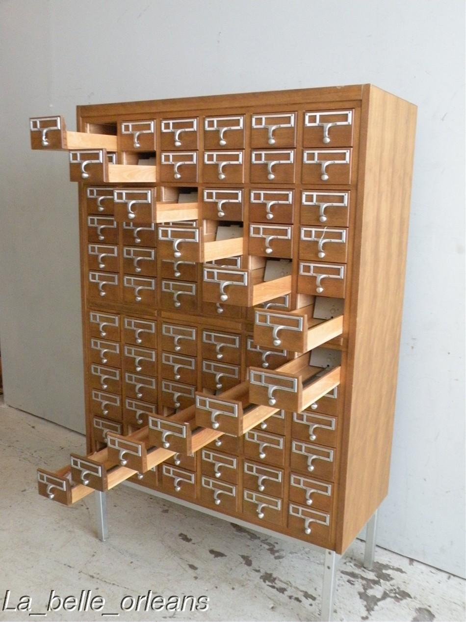 A stunning Mid Century / Modern library card file cabinet with 72 drawers.  A vintage piece sin great shape, dove tailed drawers and chromed legs. - BEST MID CENTURY MODERN FILE CARD CABINET 72 DRAWERS!! For Sale