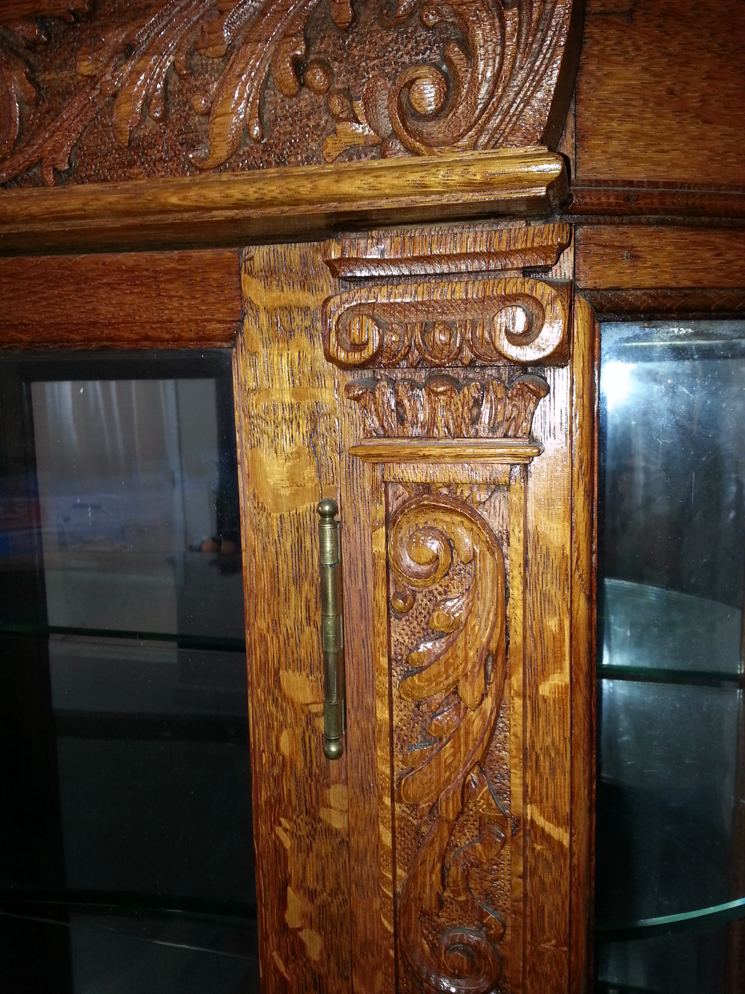Must Sell R J Horner Oak China Cabinet Northwind Face