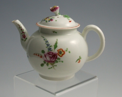 Antique English Porcelain Teapot New Hall Worcester For