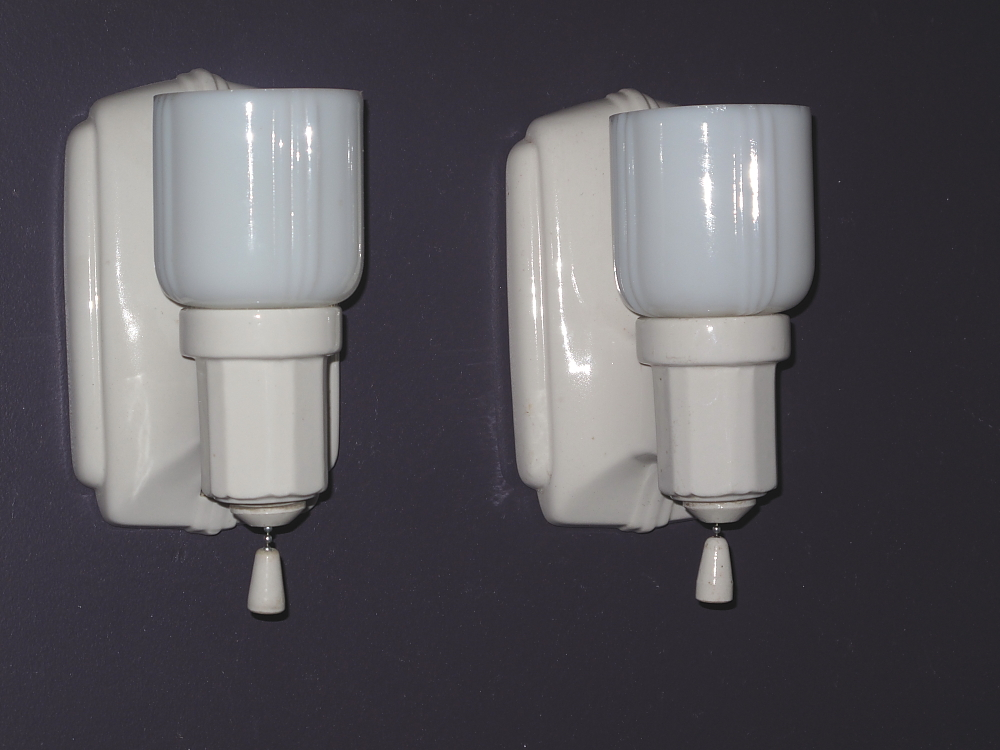 Porcelain Bathroom Lighting | Vintage Kitchen Lighting | Antique Lighting |  Vintagelights.com   For Sale