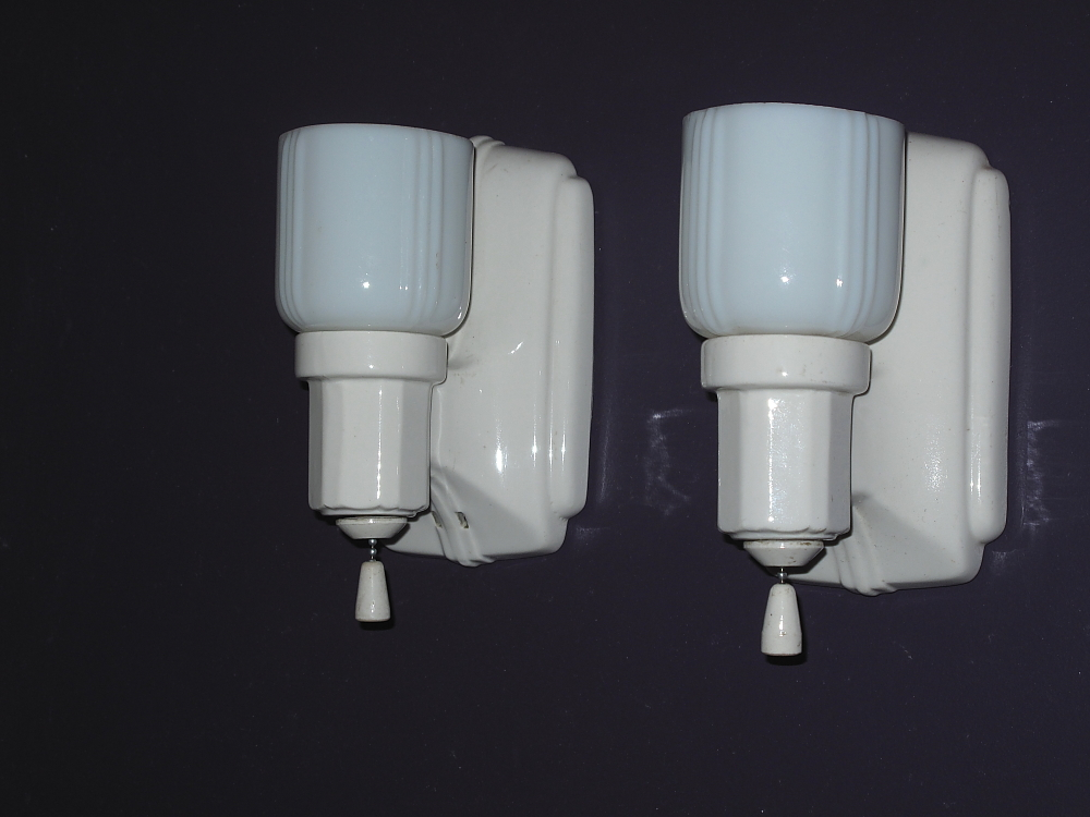 Porcelain bathroom lighting vintage kitchen lighting for Vintage bathroom lighting fixtures