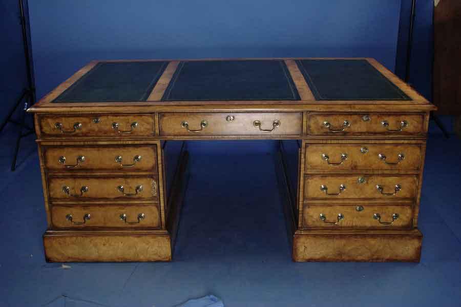 large oak partners desk for sale classifieds. Black Bedroom Furniture Sets. Home Design Ideas