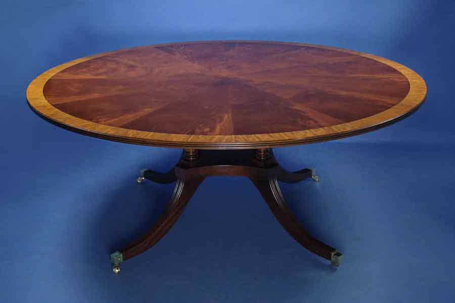 Mahogany Round Pedestal Dining Table   For Sale