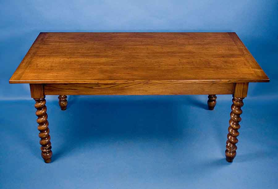 Circa 2000 Width 73 Height 31 Length 42 This Stunning Dining Table Is English Made By Hand From Solid Quartersawn Oak The Antique Style Farm