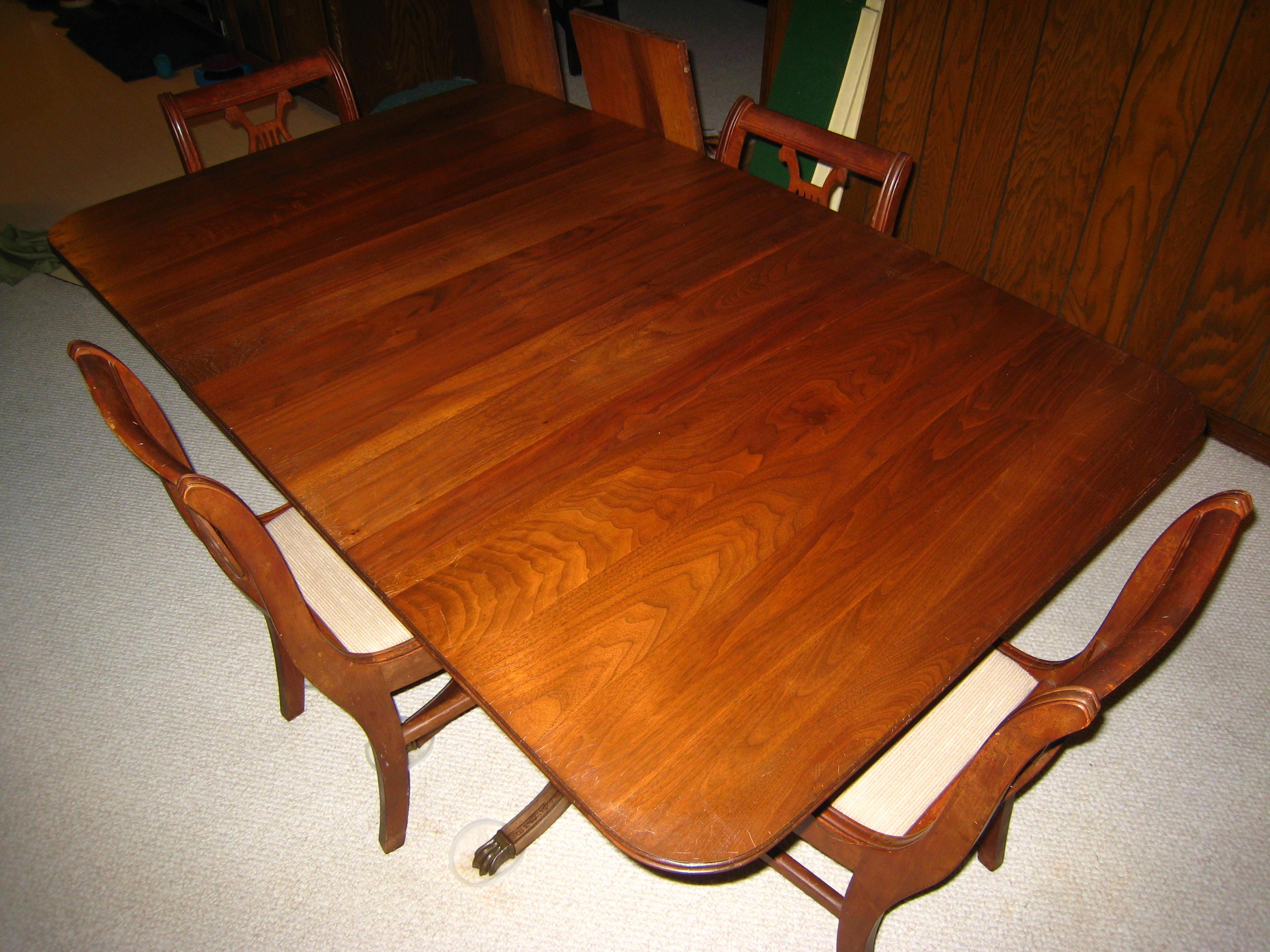 019 Mahogany Duncan Phyfe Style Dining