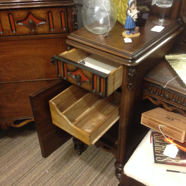 Early 1900 S Birdseye Maple Inlay Bedroom Set For Sale