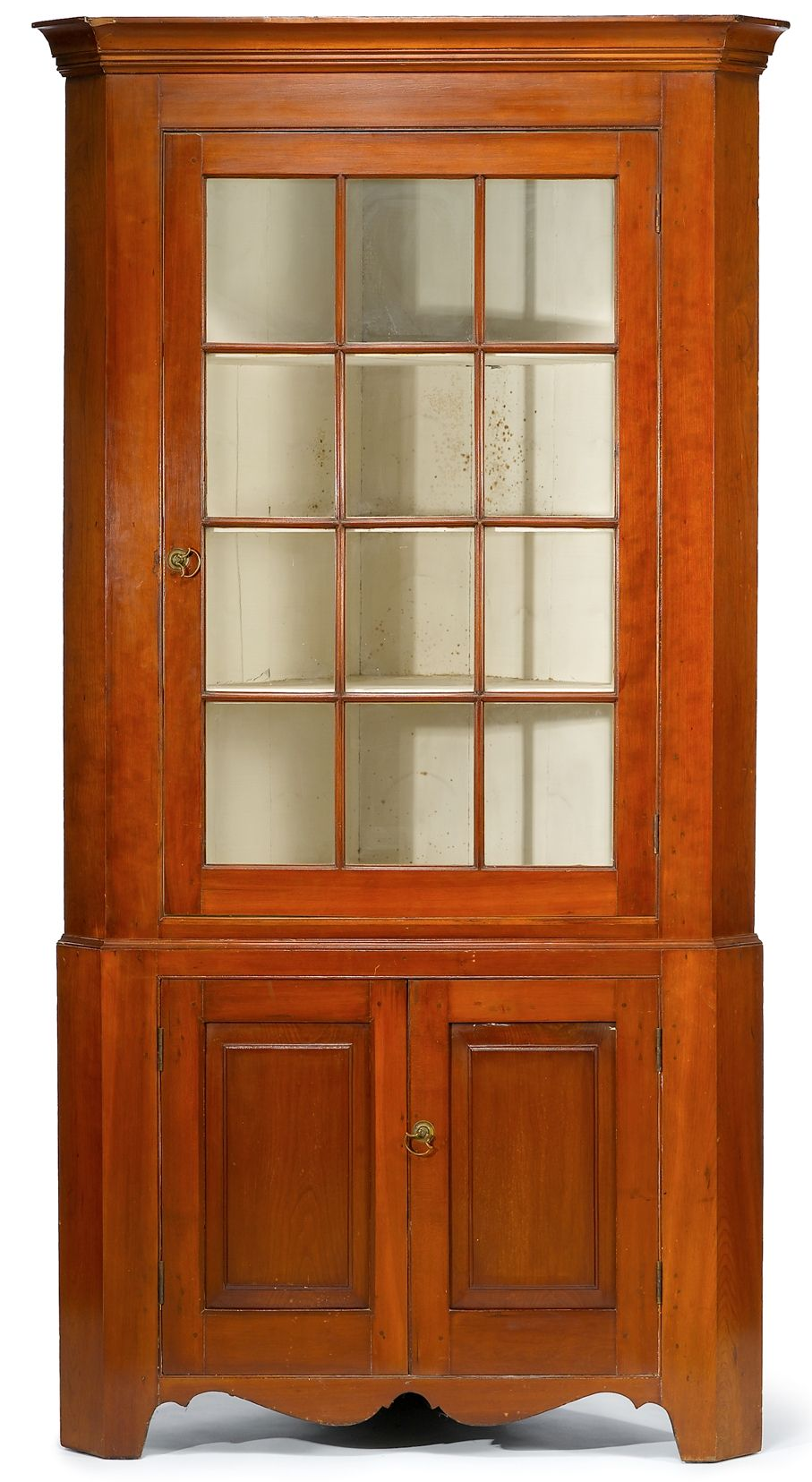 Superb Early 19th C American Cherry Corner Cupboard Of Pennsylvania Origin  Circa: 1800-1825 - For Sale - Superb Early 19th C American Cherry Corner Cupboard Of