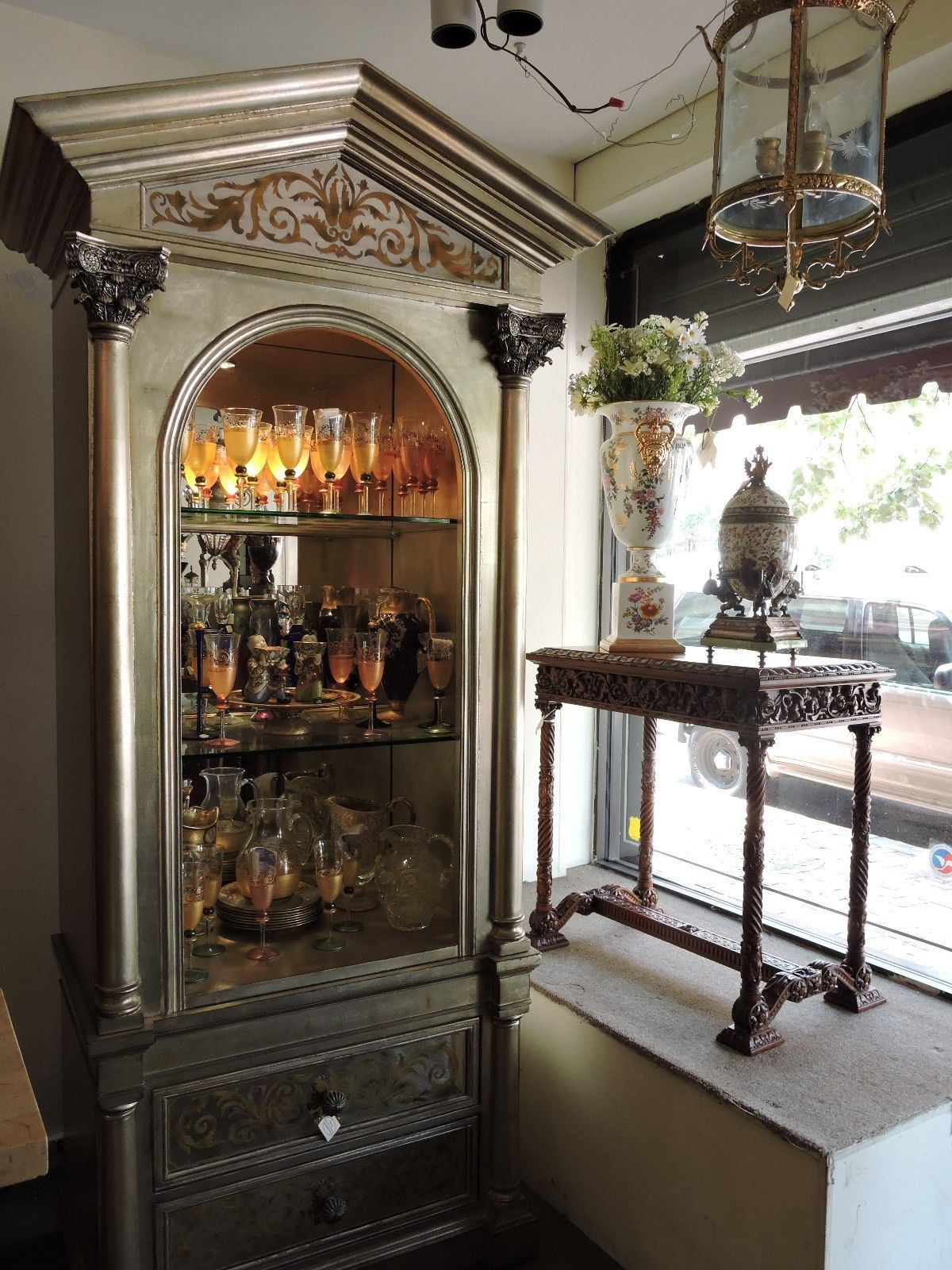 Lighted Curio Cabinet. Townsend Large Oak Curio Display Cabinet ...