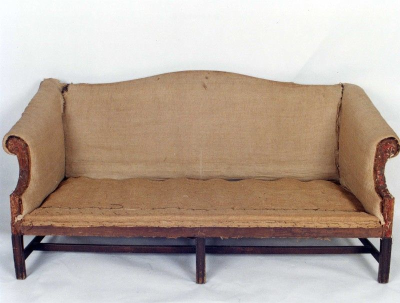 Rare Diminutive 18th C English Chippendale Mahogany Beechwood Camel Back Sofa For Sale