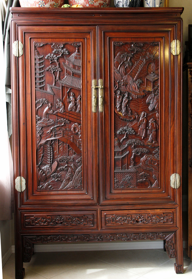 Rare Huanghuali Chinese Antique Cabinet - Owned by Oskar Morgenstern - For  Sale - Rare Huanghuali Chinese Antique Cabinet - Owned By Oskar Morgenstern