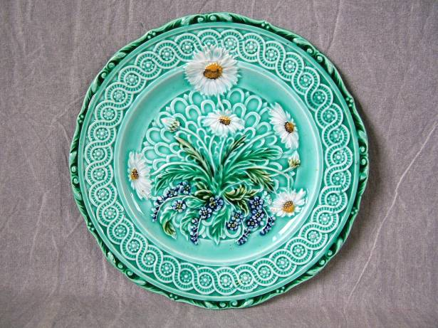 Villeroy boch majolica daisy plate for sale antiques for Villeroy boch sale