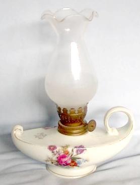 BOX I   CERAMIC OIL LAMP   For Sale