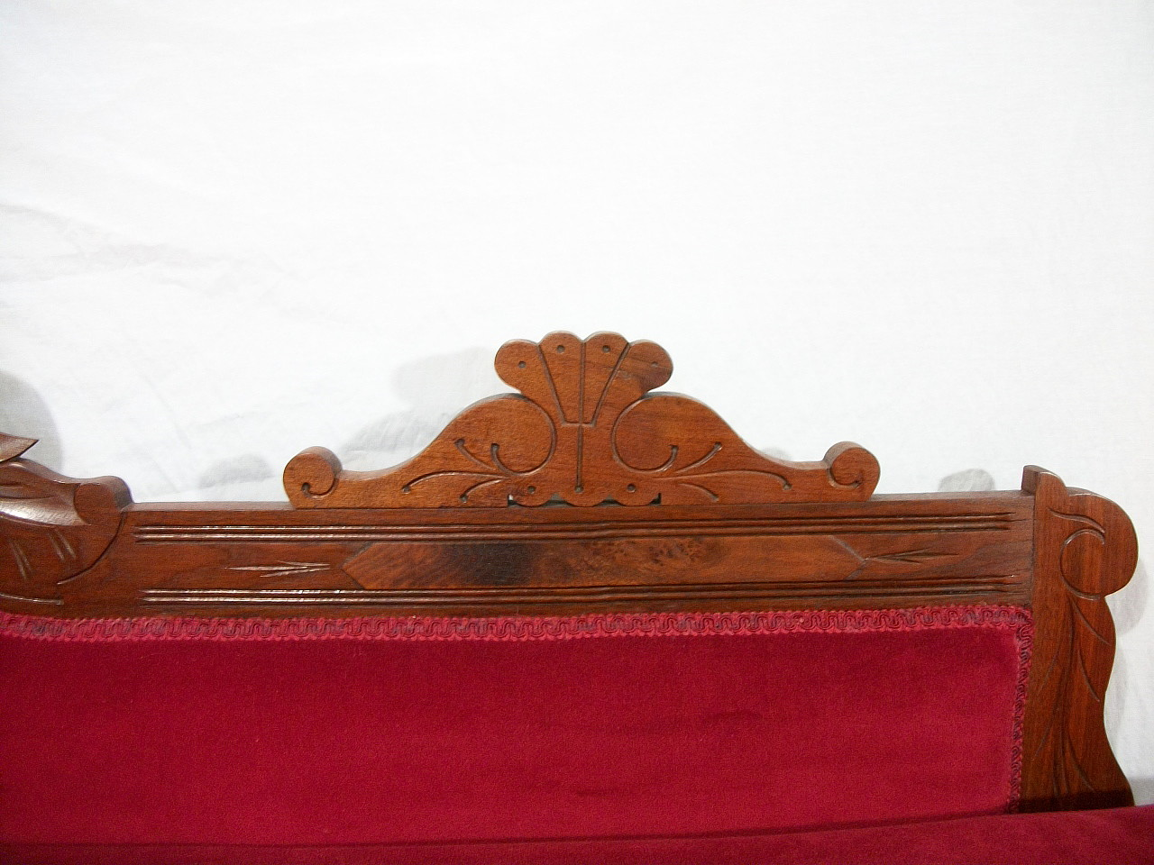 Antique 1800s Elegant Eastlake Fainting Couch Chaise