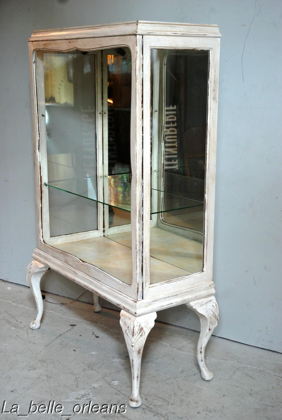 Shaby Chic Very Decorative French Showcase Cabinet Wow