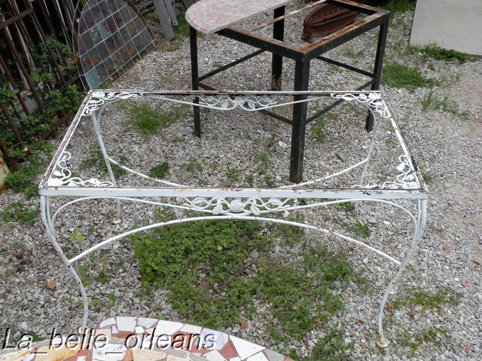 CHARMING FRENCH WROUGHT IRON GARDEN TABLE LARGE. LOOK!!   For Sale Part 44
