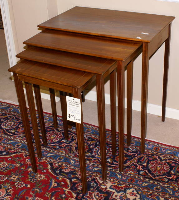 Merveilleux Set Of 4 Solid Mahogany Pencil Inlaid Nesting Tables   For Sale