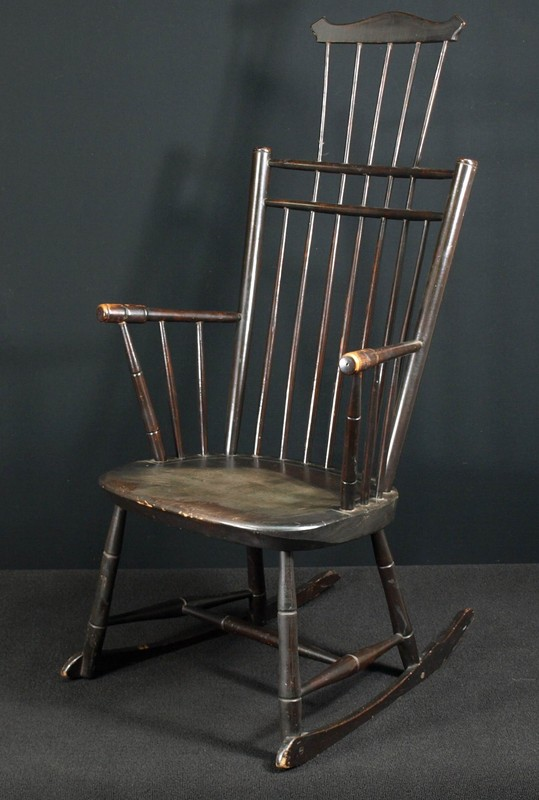 b back Windsor rocking chair For Sale