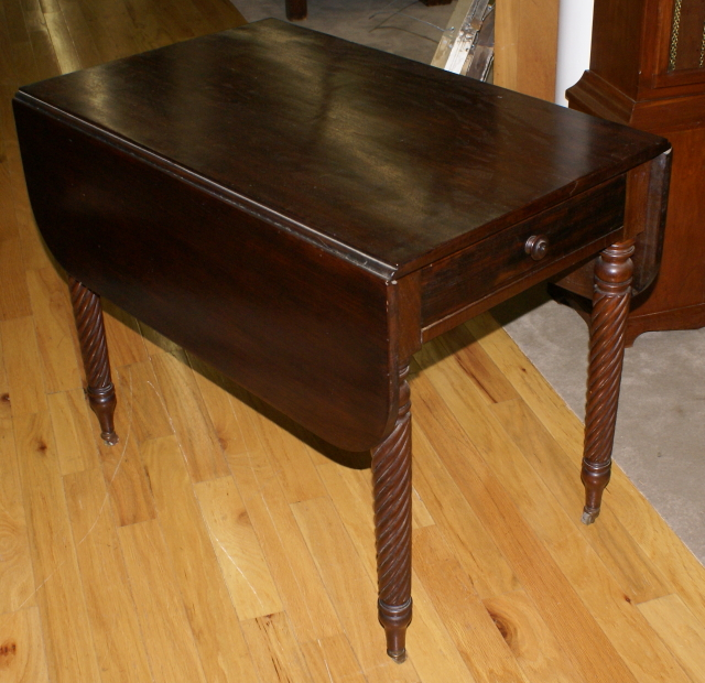 Very nice solid mahogany drop leaf table For Sale : Antiques.com : Classifieds
