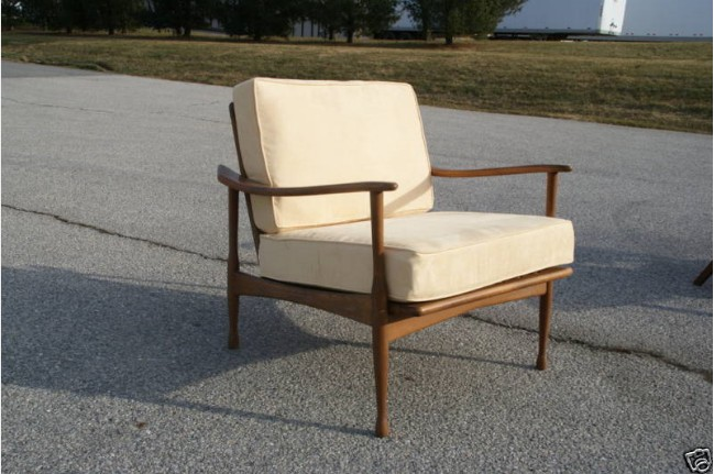 Single vintage italian lounge yellow chair for sale for Single lounge chairs for sale