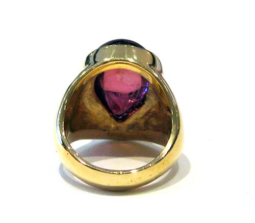 18 karat gold ring set with a pink tourmaline fj 6771