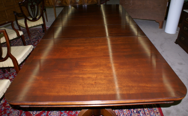 Perfect Antique Dining Room Tables for Sale 640 x 396 · 256 kB · jpeg