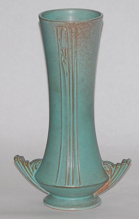 roseville pottery moderne green vase for sale antiques. Black Bedroom Furniture Sets. Home Design Ideas