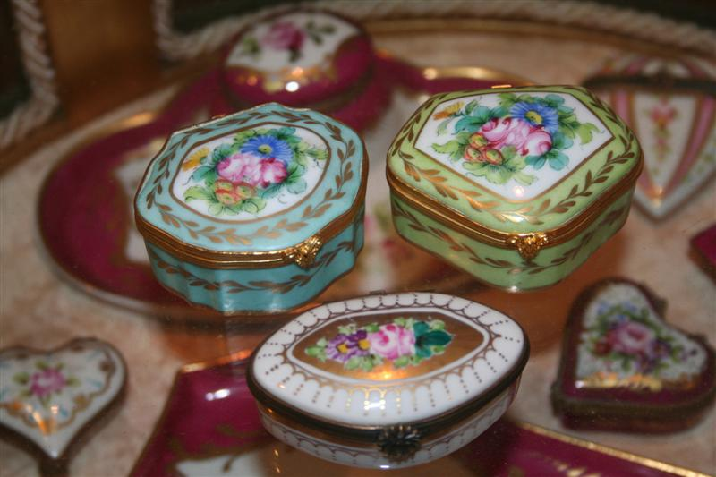 1000  images about Limoges Boxes on Pinterest | The cottage, Hand ...