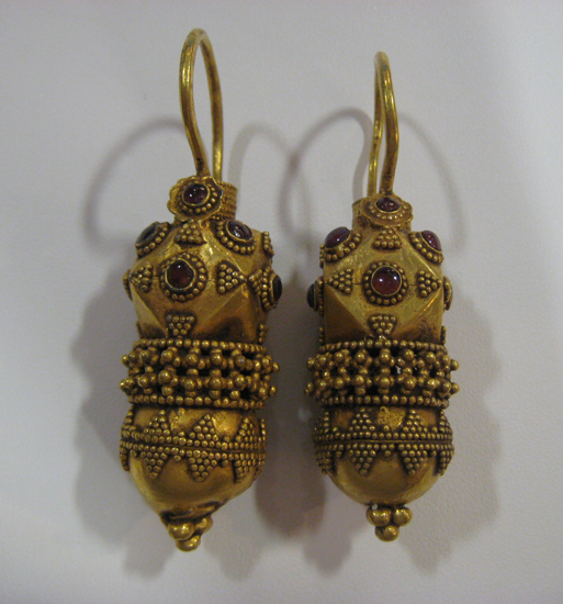 Pair Of Ottoman Gold Earrings In The Roman Style Os 072 Origin Turkey Circa 14 Th Century Ad To 18 Dimensions 2 50 6 4cm High